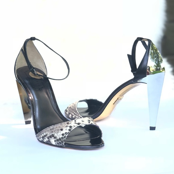 8de510cf97dc9e Ted Baker London Shoes - EUC Ted Baker London Ankle Strap Heels